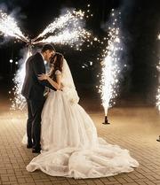 Свадебное платье,  пышное с длинным шлейфом